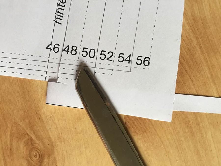 die Passform eines Schnittes mit einem Nähmuster überprüfen + einen ...